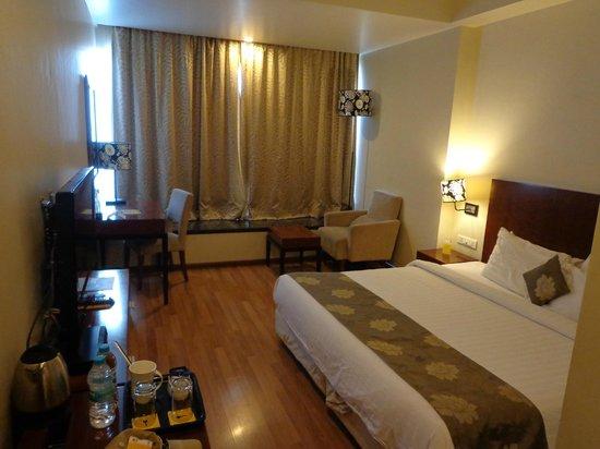 Keys Hotel The Aures : spacious room