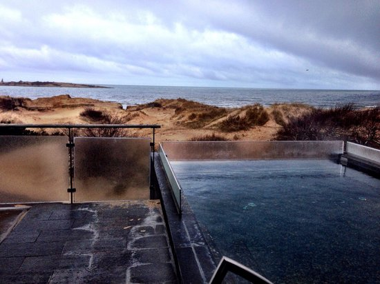 Hotel Tylosand : Warm pool with a view