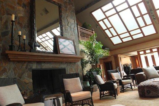 Four Seasons Resort Lana'i, The Lodge at Koele: The loby at The Lodge at Koele