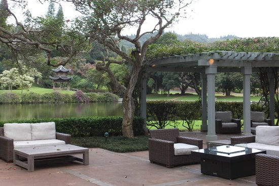 Four Seasons Resort Lana'i, The Lodge at Koele: The grounds at The Lodge at Koele