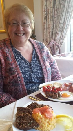 Roseleigh House : Scrambled eggs with smoked salmon and the full Irish
