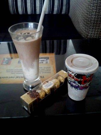Choco Luv : Ferrero rocher milkshake