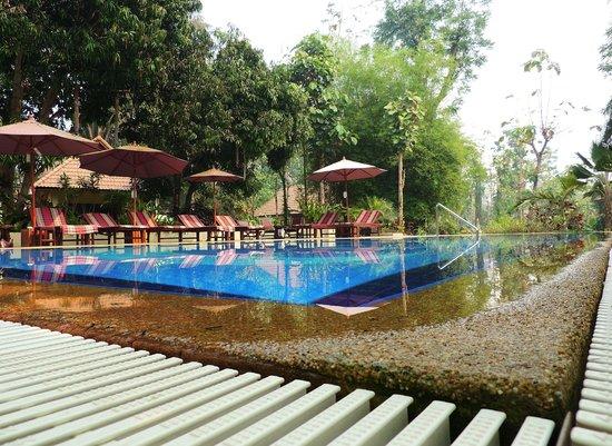 Oriental Kwai Resort : Het zwembad van het OK resort. Heerlijk relaxen.