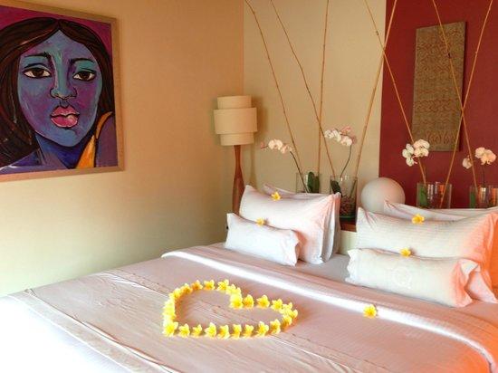 Qunci Villas Hotel : Partial Oceanview Room Interior
