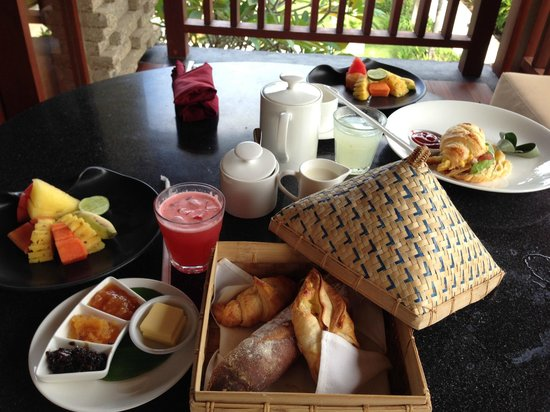 Qunci Villas Hotel : In-room Breakfast