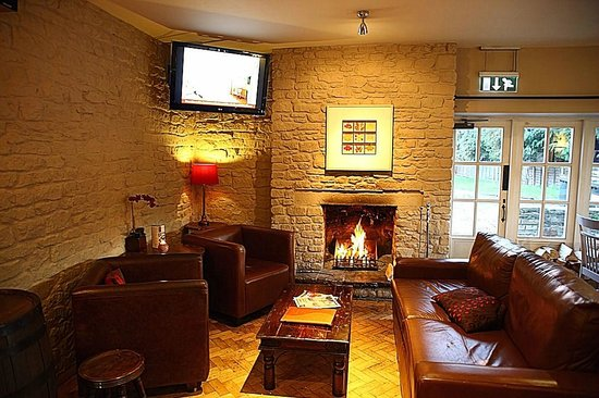 The Bell at Old Sodbury: Warm and welcoming seating area.