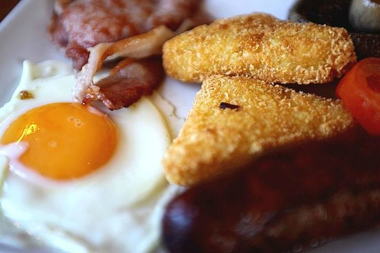 The Bell at Old Sodbury : Tasty and filling full English breakfast option.