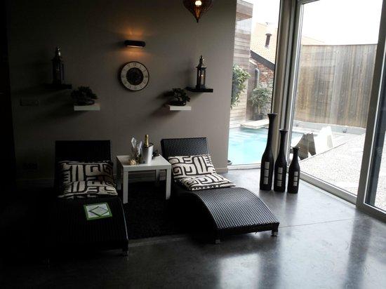 la piscine ext rieure chauff e 32 c picture of la ferme du bien etre tournai tripadvisor. Black Bedroom Furniture Sets. Home Design Ideas