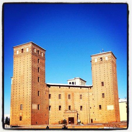 Castello dei Principi d'Acaja: Castello degli Acaja