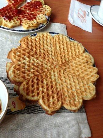 Amalie Hotel: Waffle