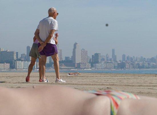 Petanke played on Poniente Beach