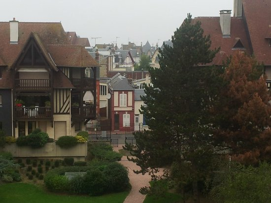 Mercure Deauville Centre: Вид с балкона из отеля
