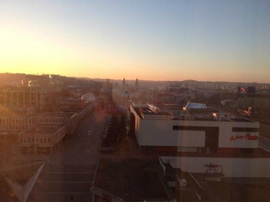 Radisson Blu Hotel Lietuva: вид из окна 10 этаж
