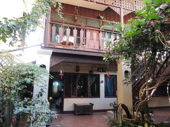 Cool Guesthouse: notre chambre à l'étage