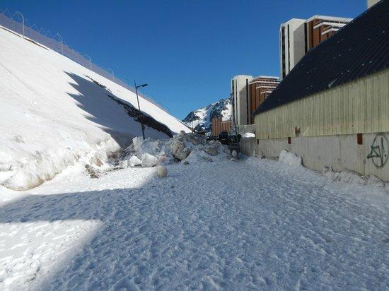 Apartamentos Pierre & Vacances e Montana: arrière de la résidence...promenade pour toutous