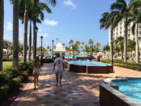 Hotel Riu Palace Aruba : zwembad