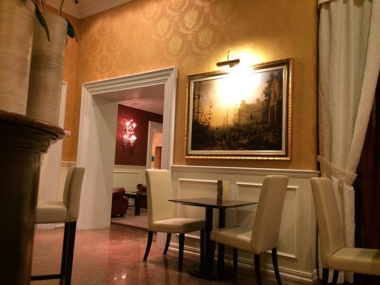 Best Western Plus Hotel Felice Casati : Main hall and bar
