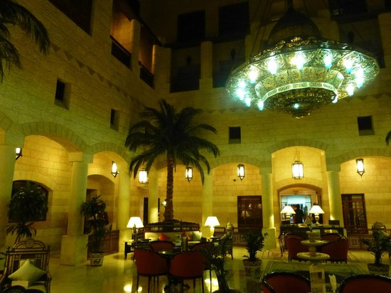 Movenpick Resort Petra : L'atrio