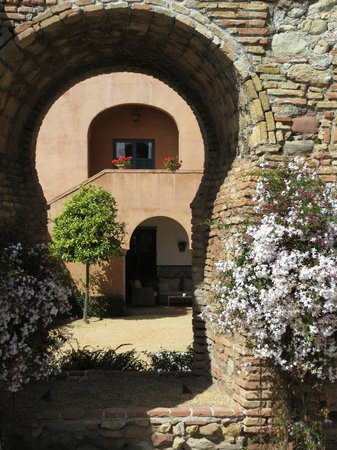 Hotel Castillo de Santa Catalina: the old & the new, all drenched in the heady scent of jasmine