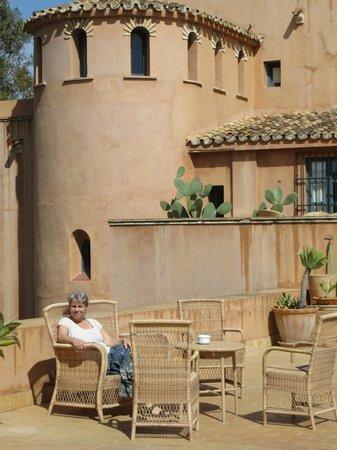 Hotel Castillo de Santa Catalina: the veranda outside room 4 - fantastic!