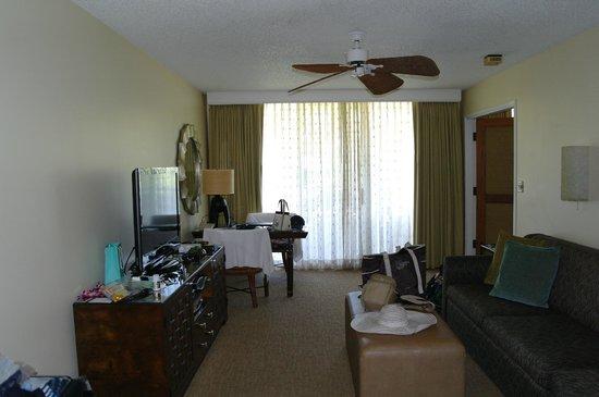 Fairmont Kea Lani, Maui: Living room seen from entrance
