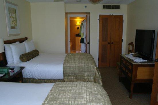 Fairmont Kea Lani, Maui: Bedroom from window