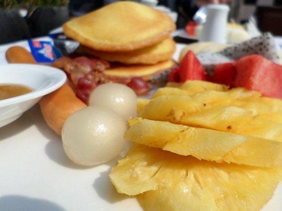 Villa Um Theara : Breakfast