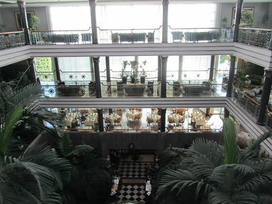 Jardines de Nivaria - Adrian Hoteles: View from inside hotel overlooking dining area