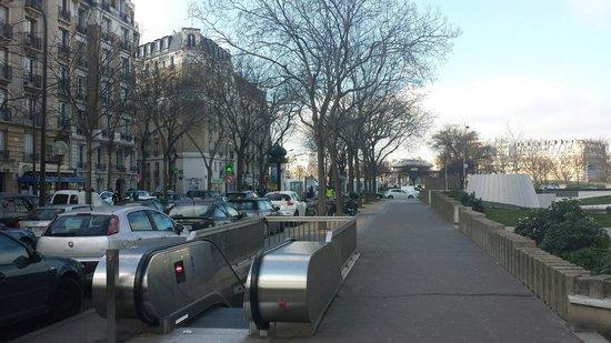 Mercure Paris Tour Eiffel Pont Mirabeau : Javel-Andre Citroën.