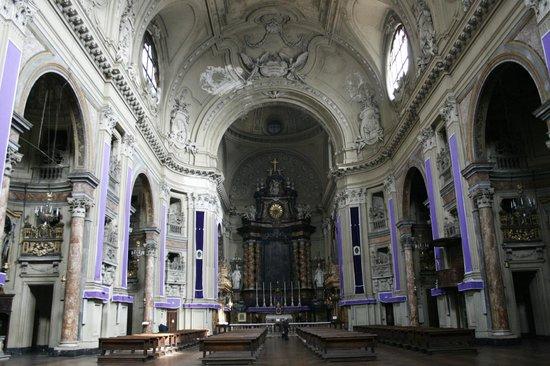 Duomo di Torino e Cappella della Sacra Sindone: interno duomo con Altare maggiore