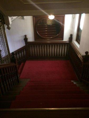 Queens Hotel Kandy: STAIRWEL