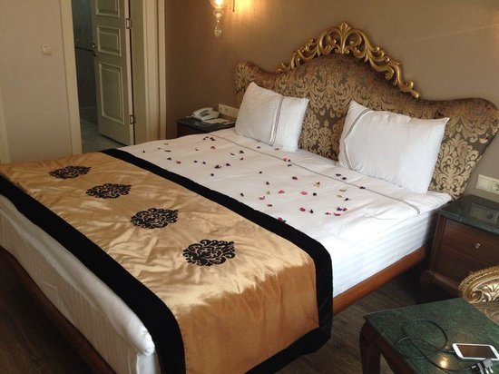 The Byzantium Hotel & Suites: our room