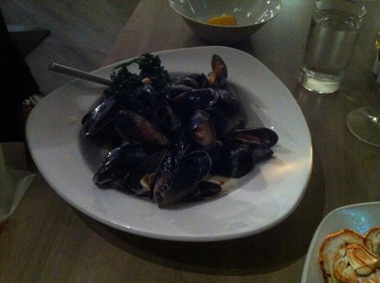 Anchor Hotel: Muscles in cream white wine