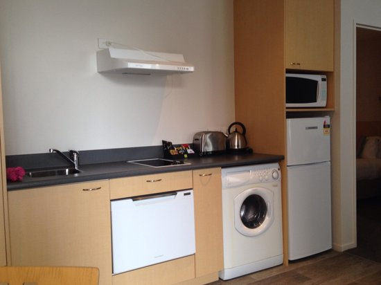Quest Christchurch : kitchen
