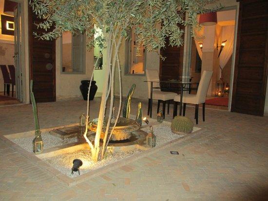 Riad Olema & Spa: Uno de los patios interiors