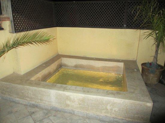 Riad Olema & Spa: Jacuzzi al aire libre en la azotea
