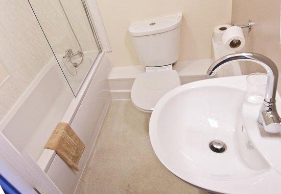 North Ocean Hotel: Bathroom