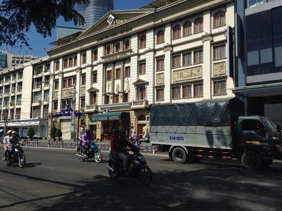 Riverside Hotel Saigon: Meanwhile on a quiet street in Saigon...