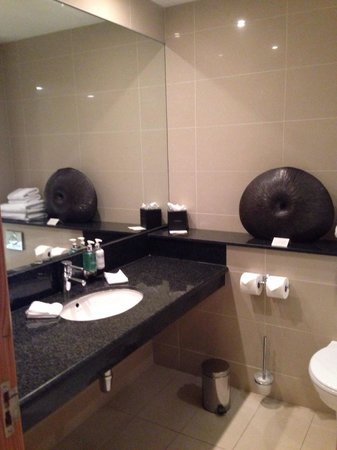 Maryborough Hotel & Spa: Bathroom