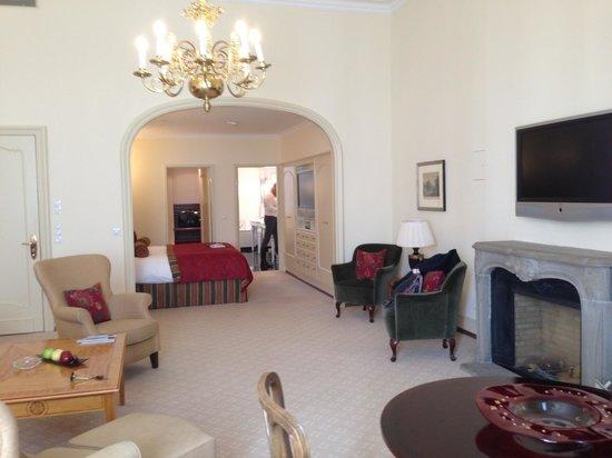 Fairmont Hotel Vier Jahreszeiten: Room