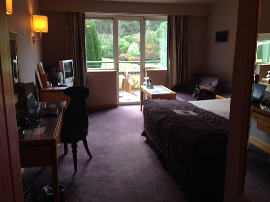 Maryborough Hotel & Spa: Bedroom overlooking courtyard