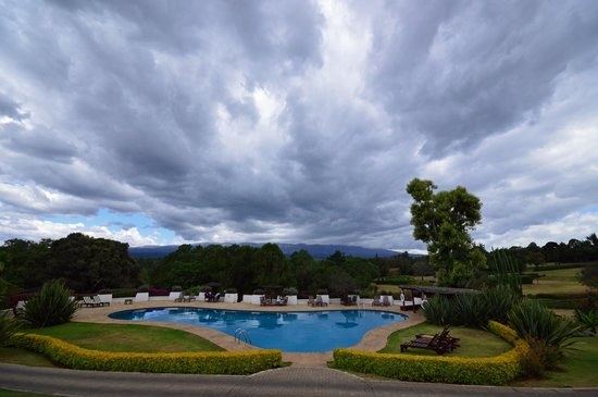 Fairmont Mount Kenya Safari Club: View of Mt Kenya - it is mostly clear in the morning and snow capped