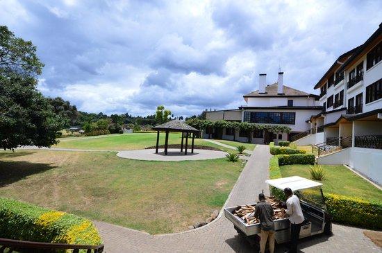 Fairmont Mount Kenya Safari Club: comfortable grounds that include a Maze