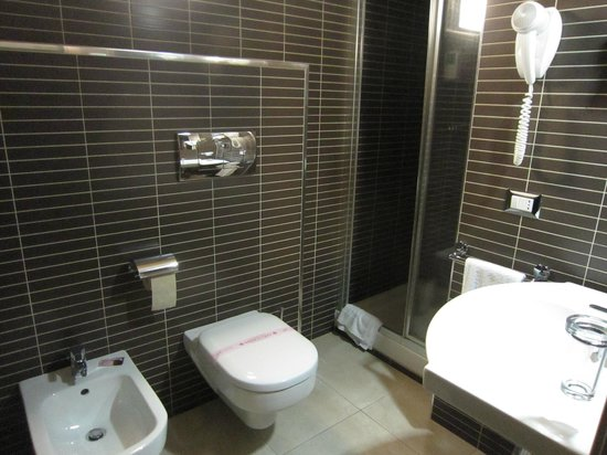 Melqart Hotel: bagno