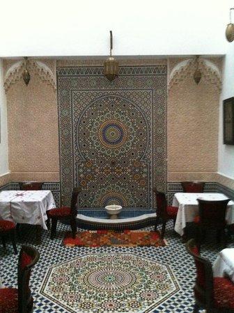 Dar Fes Medina : Façade typique décorée