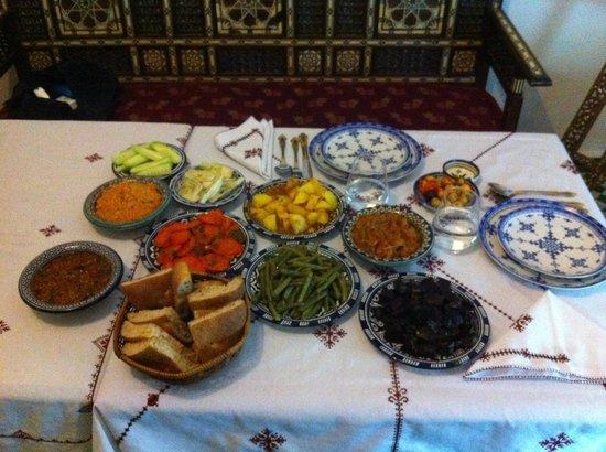 Dar Fes Medina : Ronde des salades marocaines