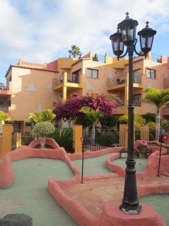 Villa Mandi Golf Resort: Crazy golf section