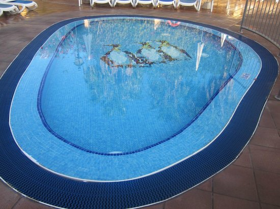 Villa Mandi Golf Resort: One of the childrens' pools