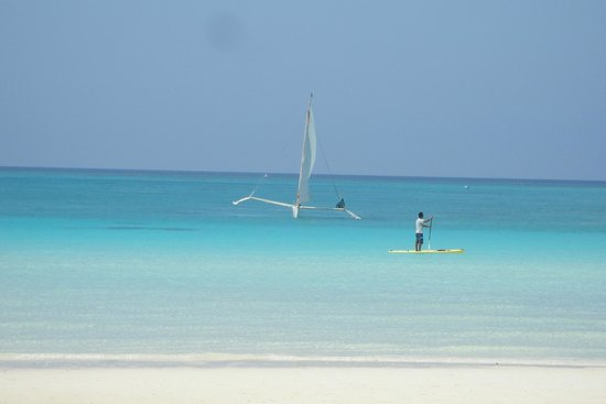 White Beach: Beautiful blue water!