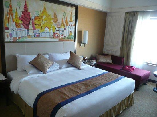 Sule Shangri-La Yangon: Bedroom